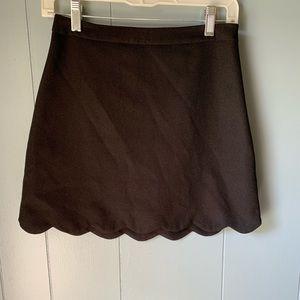 🖤 3/$10 Black scalloped skirt